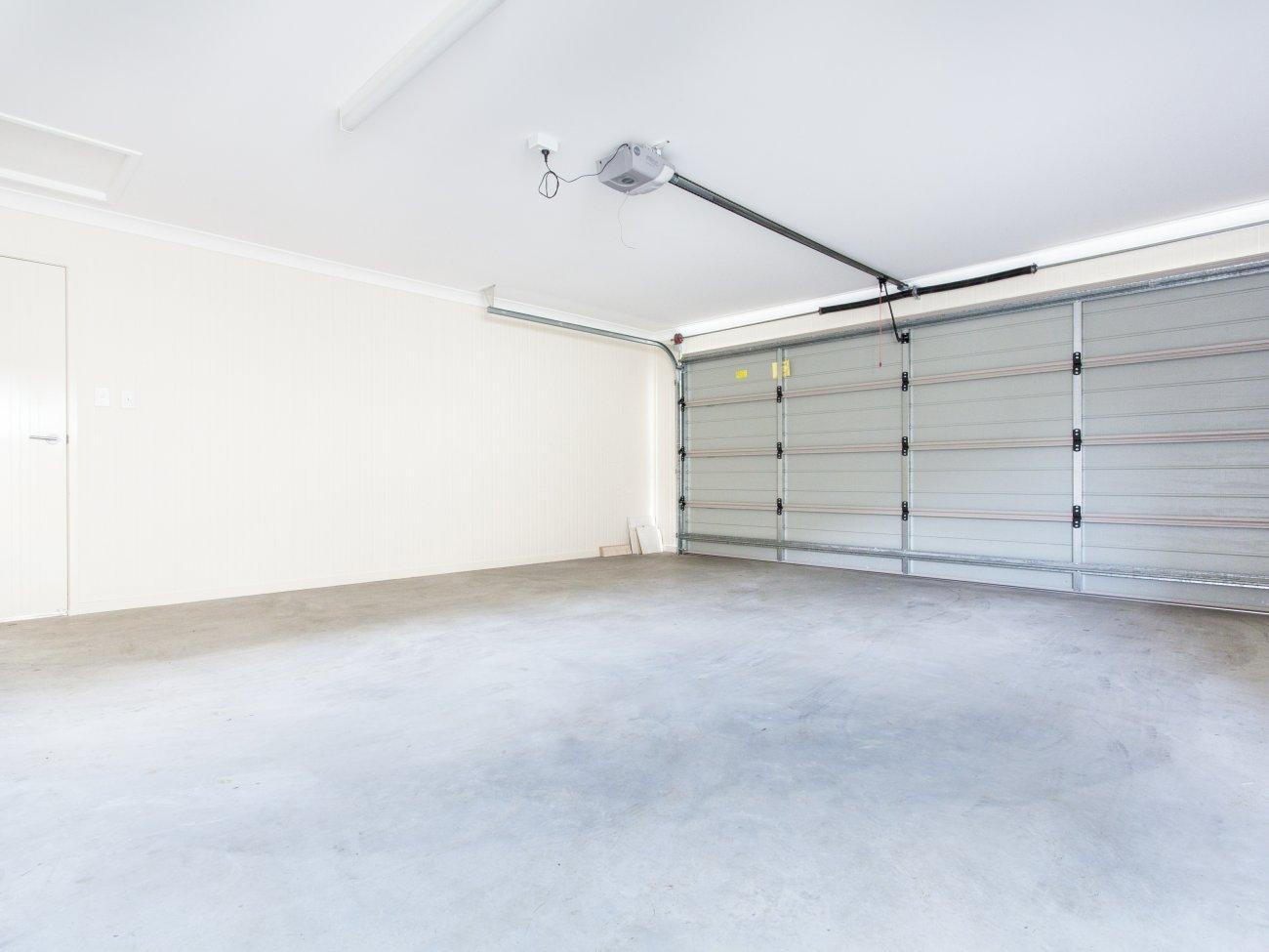 Budowa garażu w bryle domu